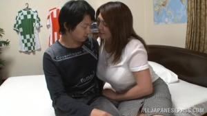 Busty teacher Mizuki Ann cums because of fingering