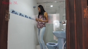 Latina Girl Pees her jeans