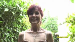 Joyce une femme mature salope