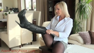 Ala in black pantyhose and boots