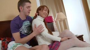 Jeune russe ultra bandante se fait baiser par son mec