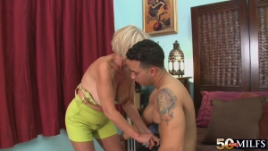 Plus Milfs Desire Collins