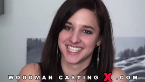 Amirah adara passe un casting avec un grand sourire