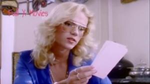 Brigitte Lahaie donne un cours d education sexuelle tres vivant