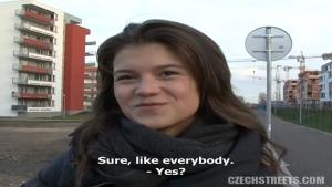 Draguée dans les rues de République Tchèque