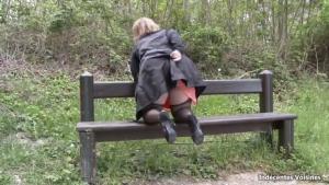 JM Sophia Sage mere de famille enculee sur un banc dans un parc