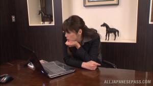 Maki Hokujo hot milf enjoys solo masturbation in the office at  h