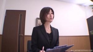 Outstanding daing Akari Asahina giving a kinky hand job at office  dv akari asahina office sex h