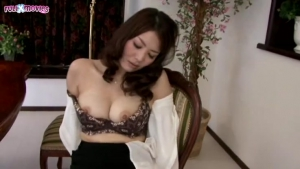 The Mother in law Too Erotic Gloss By Playing With Ji JAV