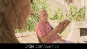 Video porno gratuite HD de Old man fucking hot young girl The Front Page of Porn