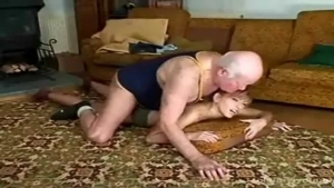 Video porno gratuite HD de old man fuck young girl The Front Page of Porn