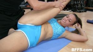 Orgy dans la salle de sport