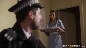 Connie carter une infirmière très généreuse
