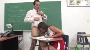 Bailey Lane ne sait pas se tenir en classe