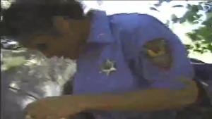 Une fliquette met en etat d'arrestation Chasey Lain