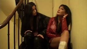 Tiffany une brunette francaise qui decouvre les fuck club