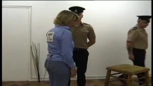 Une détenue punie en prison