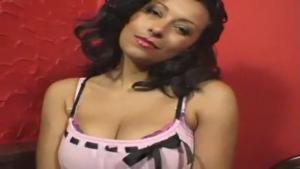 Danica, Femme mure sexy nous montre ses nichons