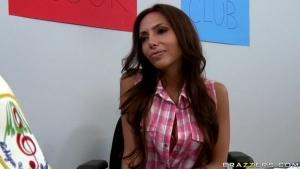 Une etudiante se fait demonter a l ecole Videos Sexe