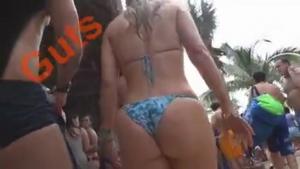Voyeur spycam great ass in public HD 1564803