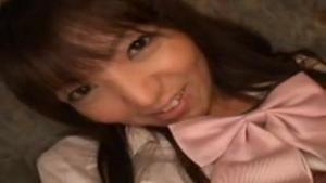 Etudiante asiatique abusée par un pervers en manque