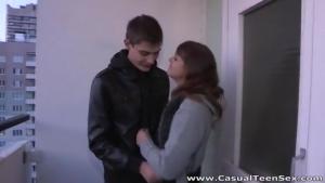 Jeune couple amateur baise a l apart