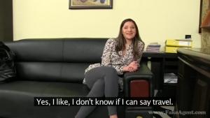 Katie subit pour un entrentien d'emboche particulier de secretaire