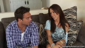 Capri cavanni est un jeune mère au foyer qui manque cruellement de sexe