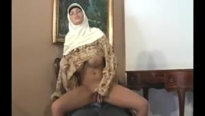 Compliation porno avec des arabes chaudes