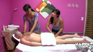 Deux masseuses pour le prix d'une