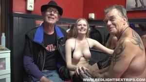 Orgy entre échangistes dans un bar libertin