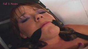 Soumise fait une ejac feminine