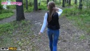 Petite balade en forêt avec la somptueuse Ksyusha Artyom