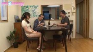 Jeune milf japonaise en manque