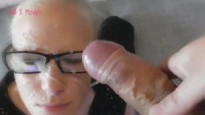 Lara Cum kitten blowjob on glasses