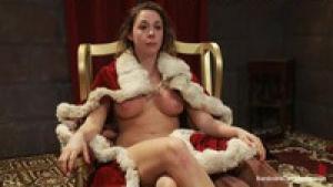 La reine des nymphos Chanel Preston se fait brutalement partouzer