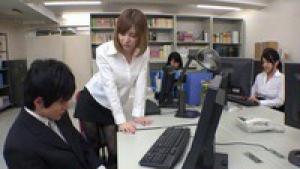 Japonaise sexy baise dans la bibliothèque