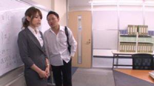 Jeune prof soudoyée puis violée par le directeur après les cours