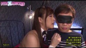 Timides ils se font dorloter par de jeunes japonaises sexy