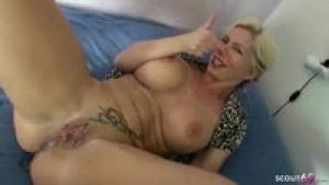 La mature blonde adore la sodomie sur videomature.cc